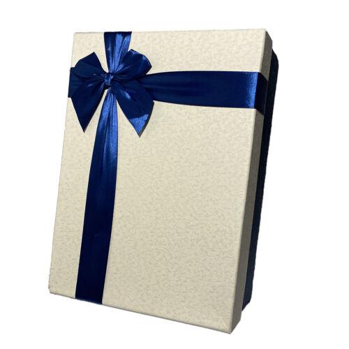 ajándékküldés online díszdobozban