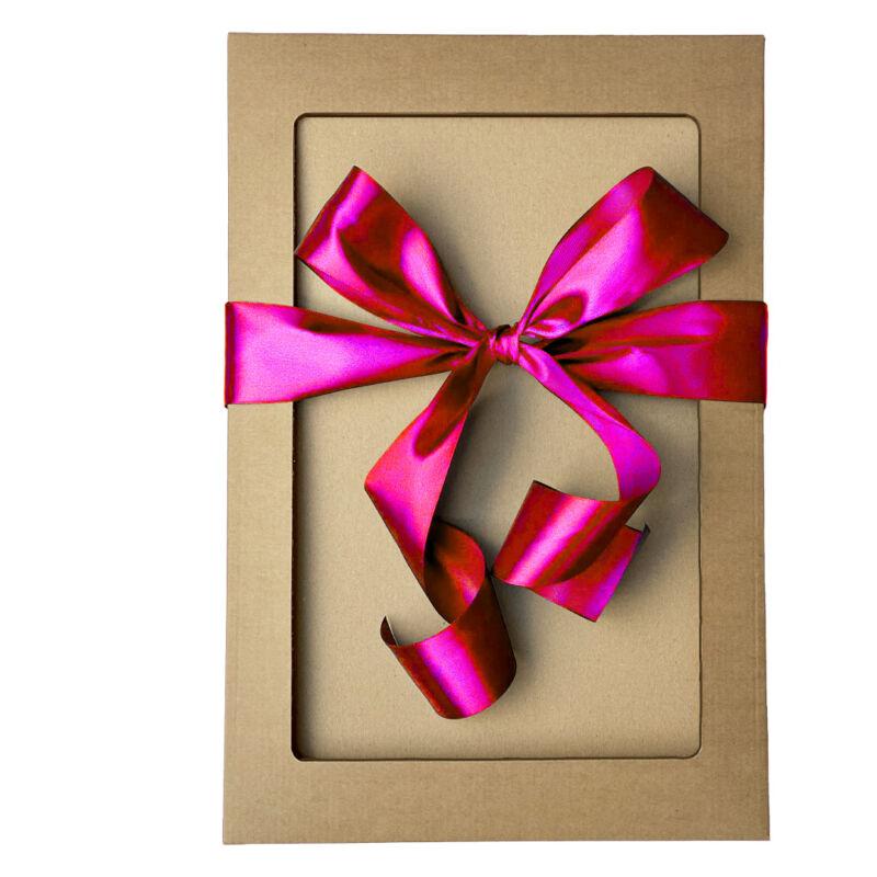 Ajándékdoboz rózsaszín masnival